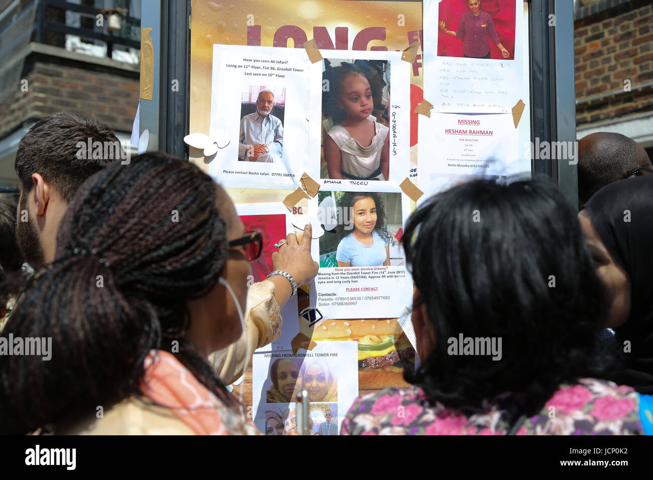 London, UK. 16th June, 2017. Scenes of the aftermath including posters of missing people around the Grenfell Tower - Stock Image