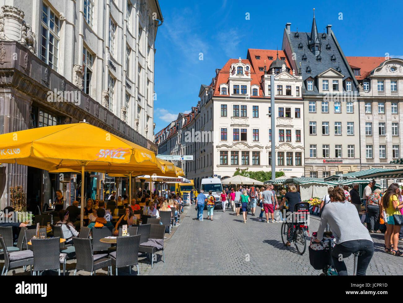 Sidewalk cafe in the Markt (Market Square), Leipzig, Saxony, Germany - Stock Image