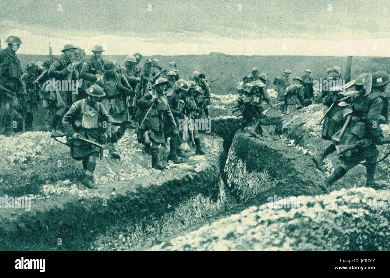 Highland territorials jumping German trenches, Cambra front, 1917 - Stock Image