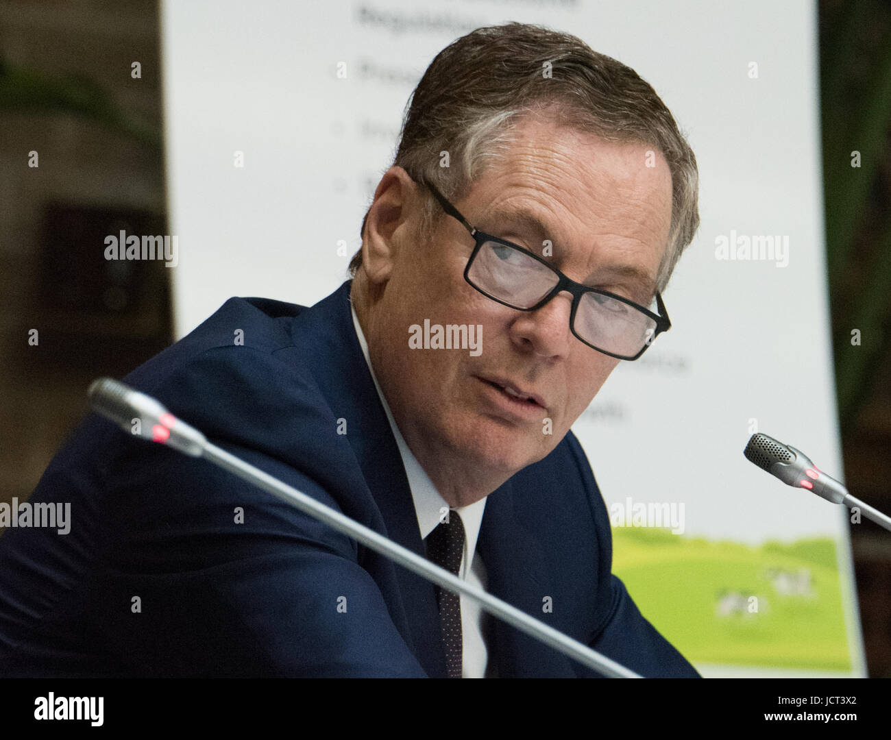 U.S. Trade Representative Robert Lighthizer speaks to delegates during the inaugural meeting of the Interagency Stock Photo