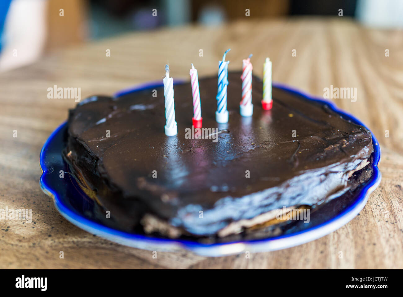 Groovy Simple Square Small Chocolate Birthday Cake With Five Colorful Personalised Birthday Cards Paralily Jamesorg