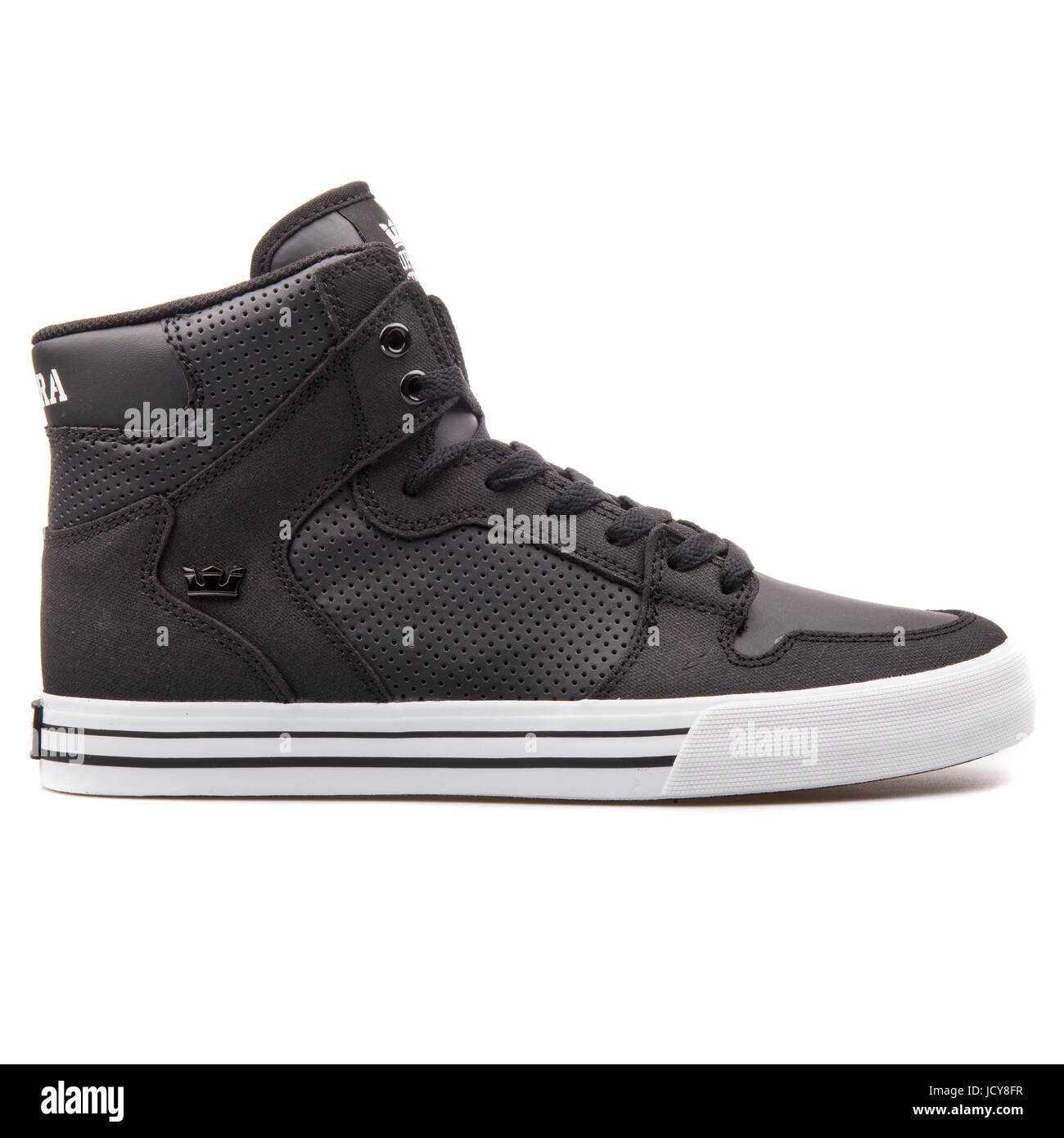 factory price 71393 62985 Supra Vaider Black and White Men s Sports Shoes - S28188 - Stock Image