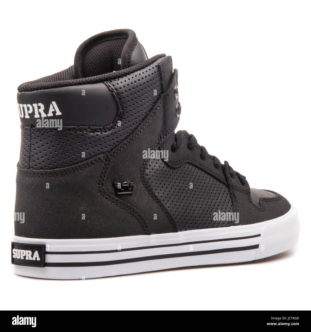 factory price bcf9e 90054 Supra Vaider Black and White Men s Sports Shoes - S28188 - Stock Image