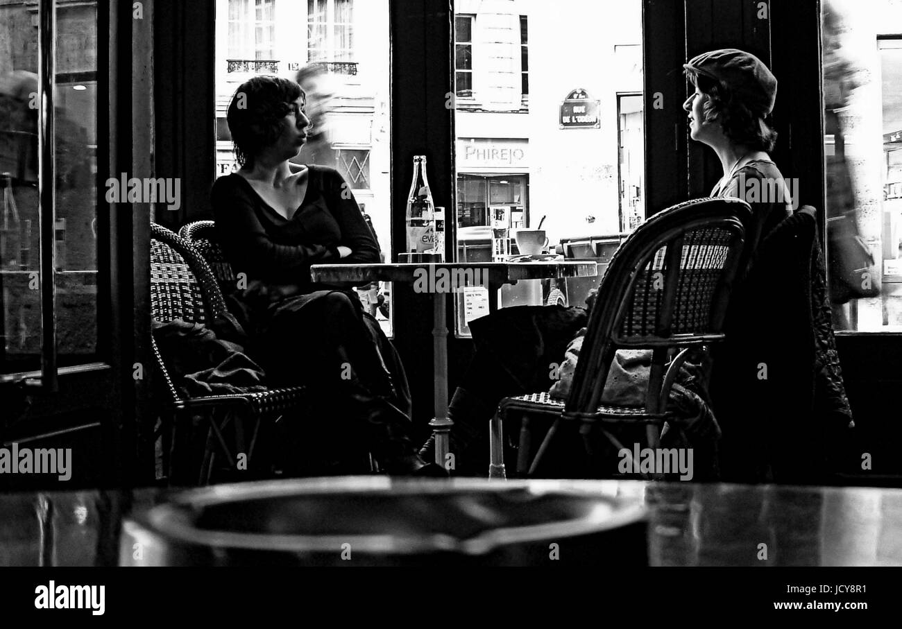 Paris France Sisters In A Cafe Near Odeon Area Paris Cafe Stock Photo Alamy
