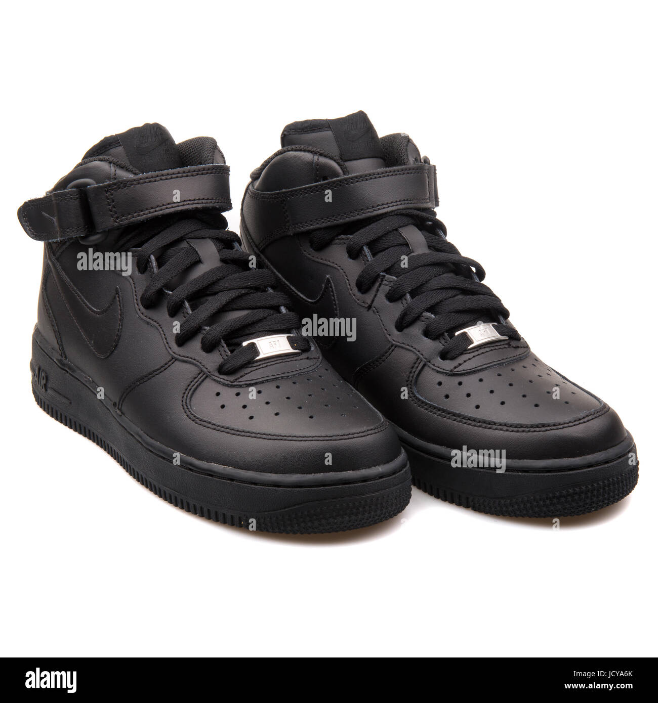 brand new f6f9a 6bbd6 Nike Air Force 1 Mid (GS) Black Youth s Sports Shoes - 314195-004