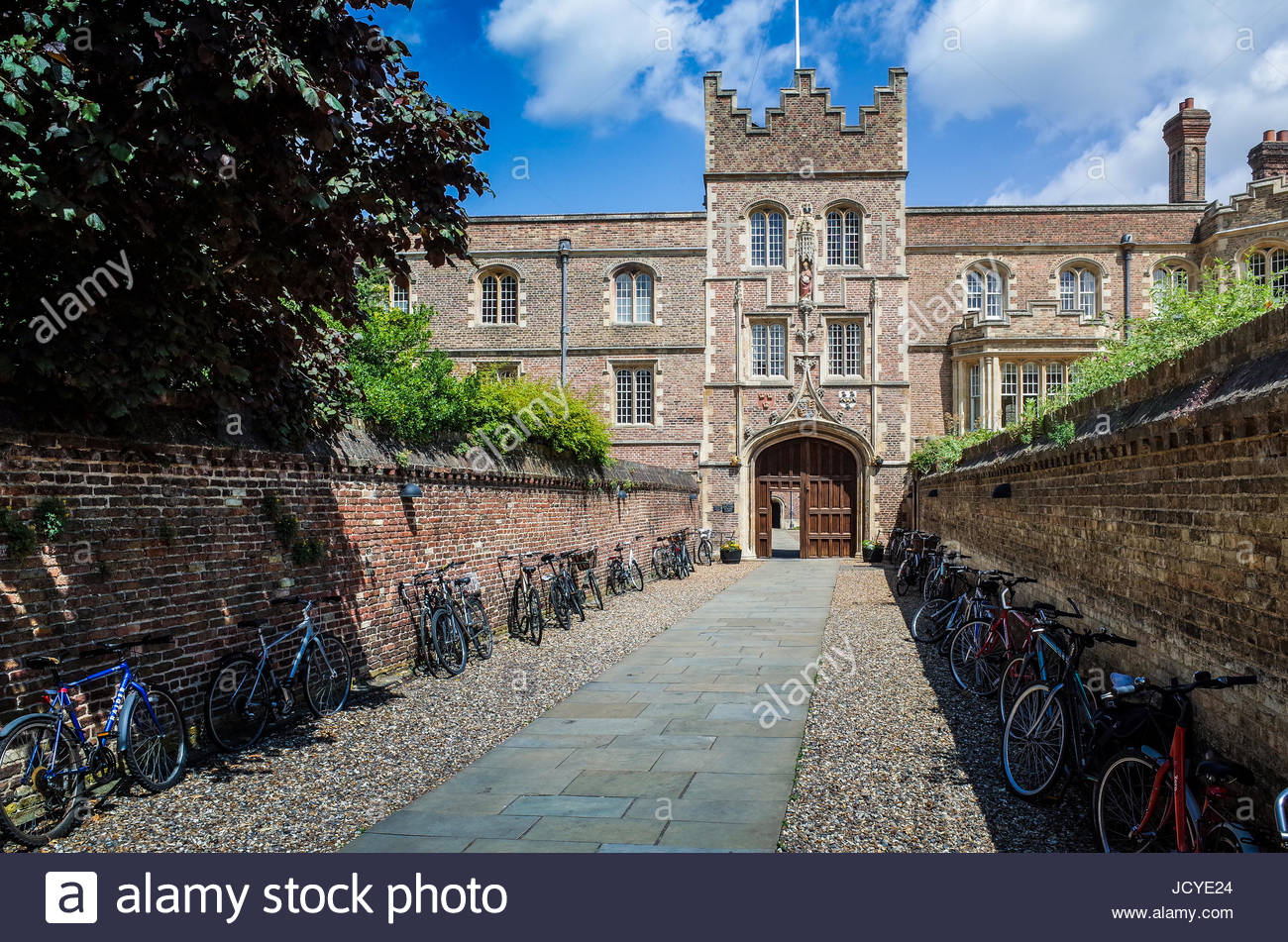 The entrance to Jesus College Cambridge, part of the University of Cambridge. The entrance is known as the Chimney. - Stock Image