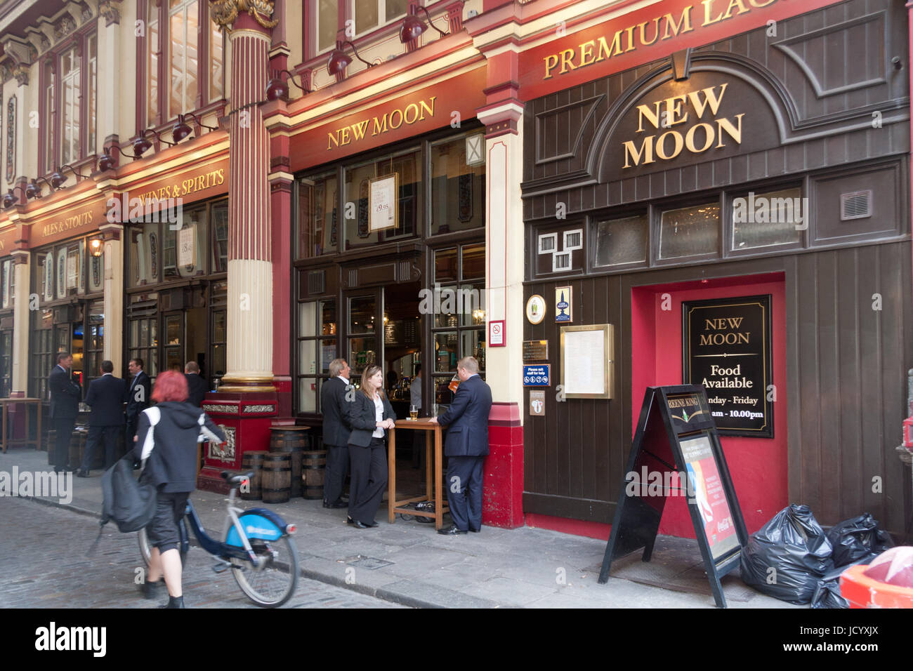 New moon pub leadenhall market