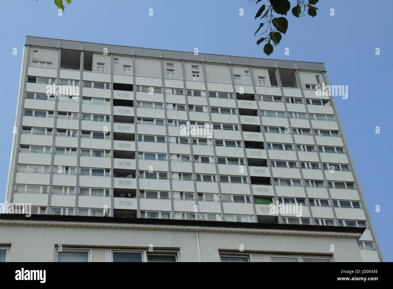 London, UK. 16th June, 2017. A tower block with cladding located in the borough of Kensington and Chelsea. Credit: - Stock Image
