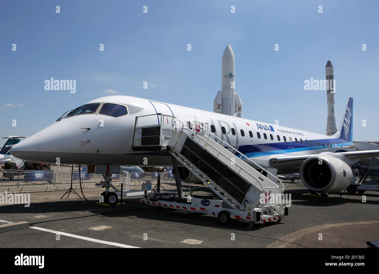 paris, france. 18th june, 2017. a mitsubishi regional jet (mrj stock