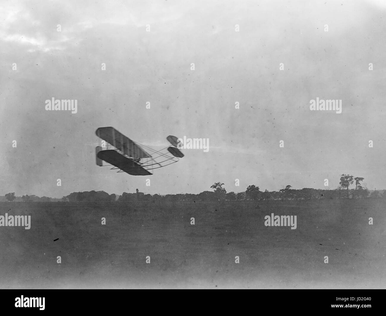 Side view of flight 45, Orville flying to the right close to the ground, covering a distance of about 14.2 miles - Stock Image