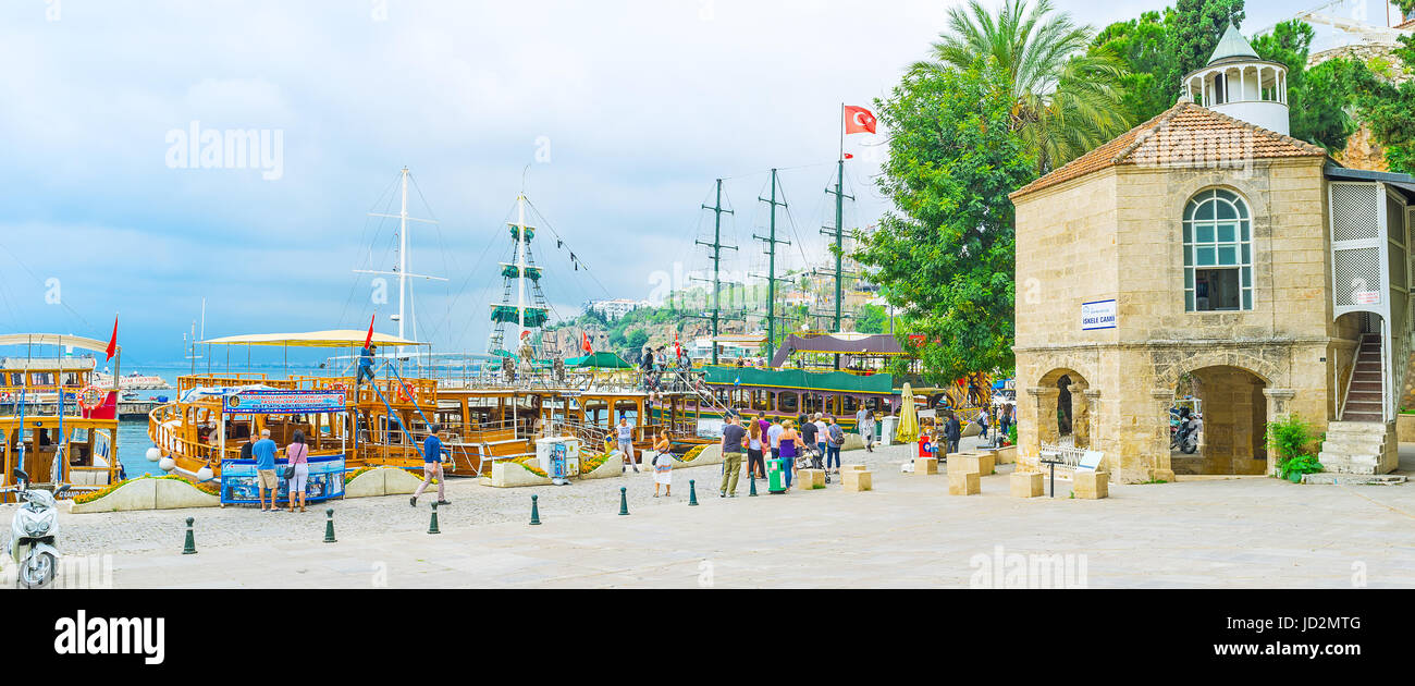 ANTALYA, TURKEY - MAY 6, 2017: The Iskele Mosque is the notable landmark of old marina, on May 6 in Antalya. - Stock Image