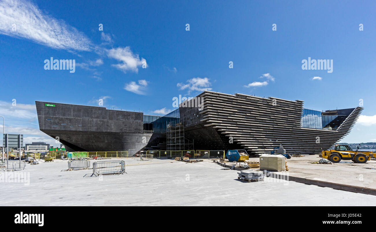 Progress in building the V&A Museum of Design at the waterfront by the Firth of Tay Dundee Tayside Scotland - Stock Image