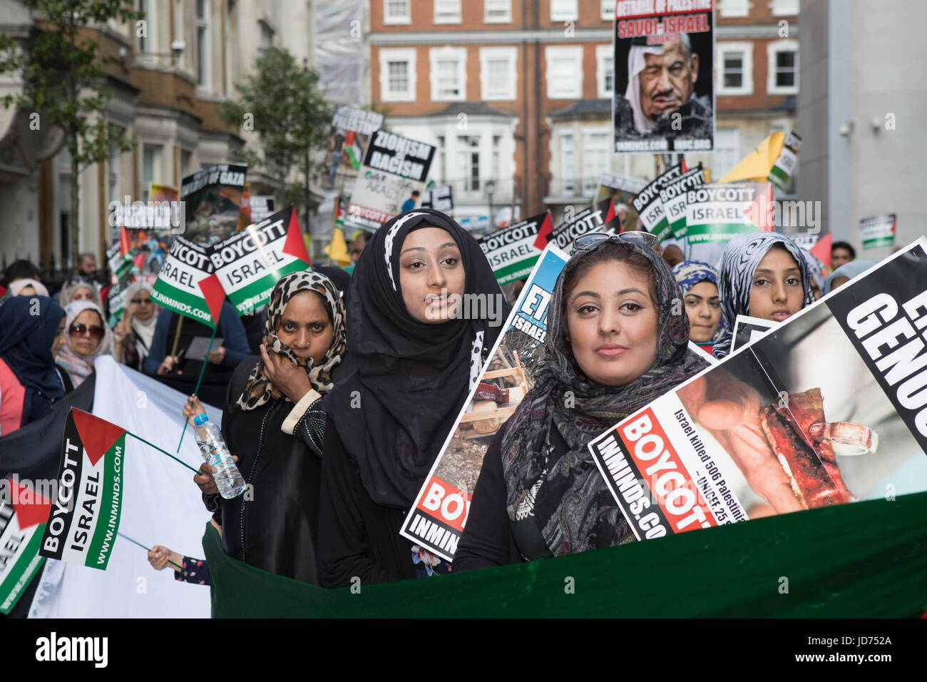 Al Quds day 2017 London, UK. 18th June, 2017. women holding placards at the start of the march Credit: Brian Southam/Alamy - Stock Image