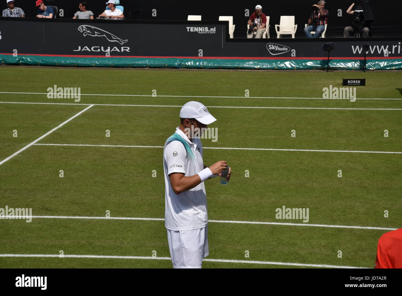 Mens Ricoh Open finals 2017 between Gilles Müller and Ivo Karlović and prize ceremony - Stock Image