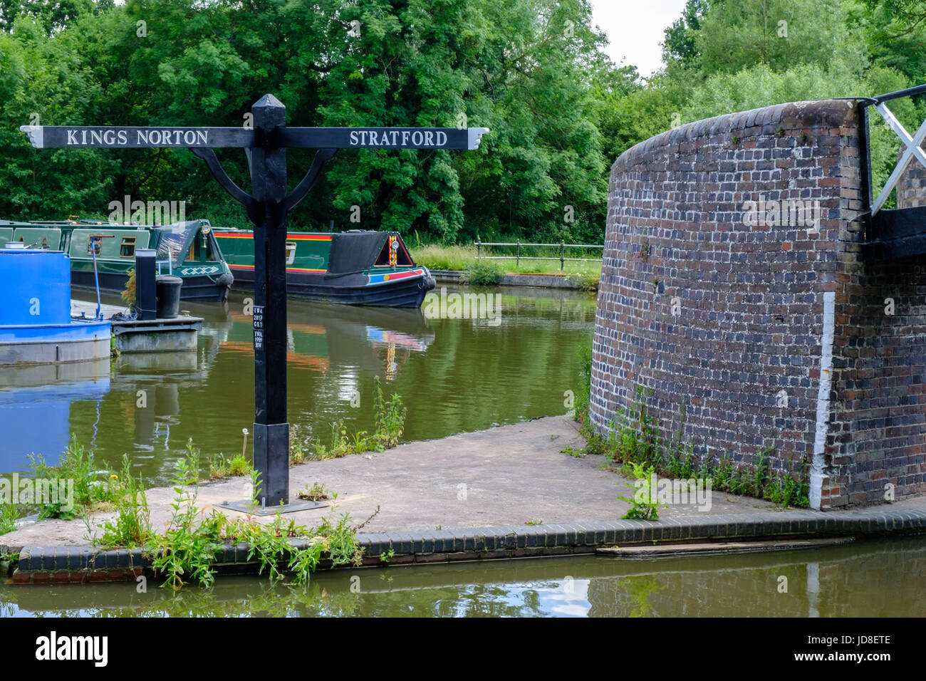 Birmingham Canal junction with direction sign to Kings Norton and Stratford - Stock Image