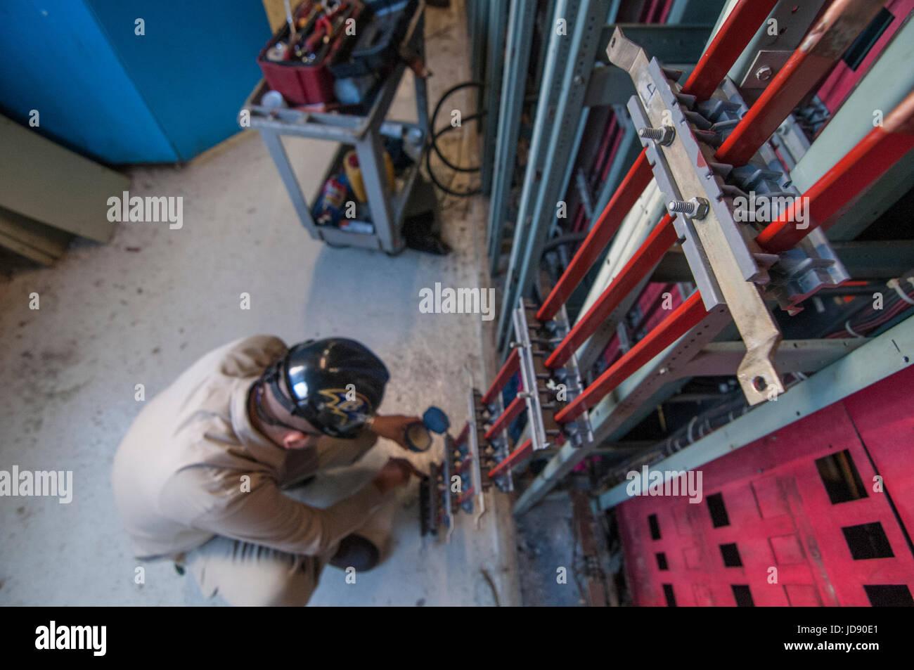 480 volts bus bar maintenance jobs in geothermal power plant CERRO PRIETO. Comision Federal De Electricidad. - Stock Image