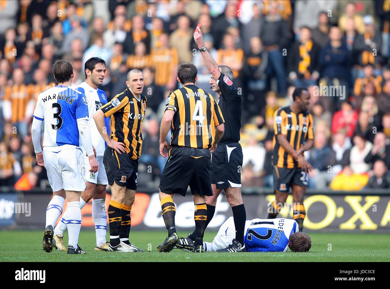DEAN MARNEY IS SHOWN RED CARD HULL CITY V BLACKBURN ROVERS KC STADIUM HULL ENGLAND 01 March 2009 - Stock Image
