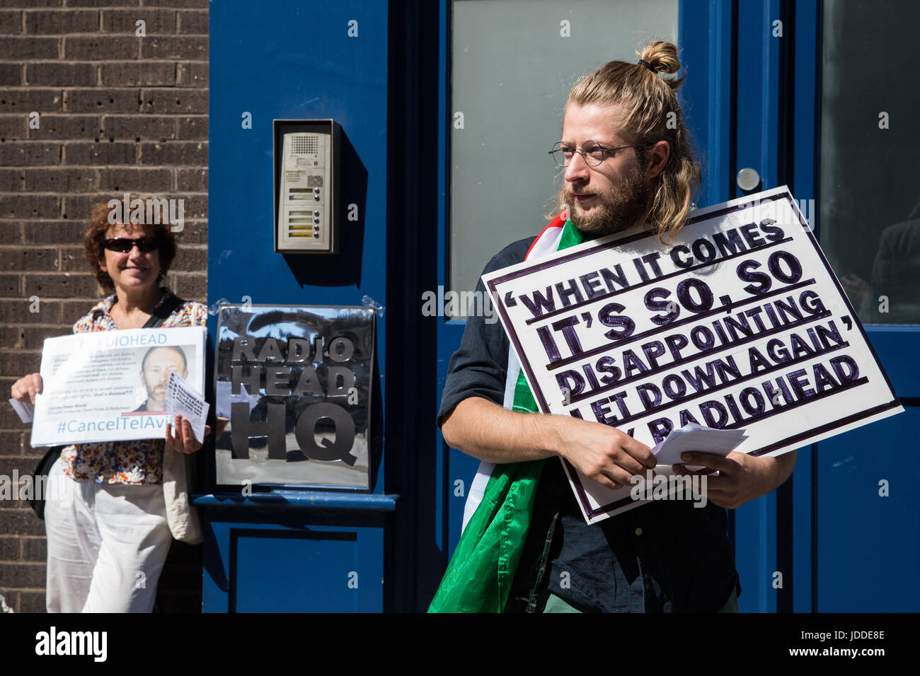 London, UK. 19th June, 2017. Activists from London Palestine Action protest outside the offices of Radiohead in - Stock Image