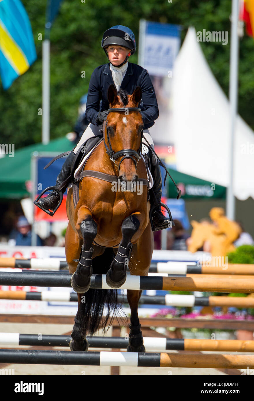 Luhmuehlen, Germany. 18th June, 2017. British eventing rider Rosalind Canter and her horse Zenshera in action during - Stock Image