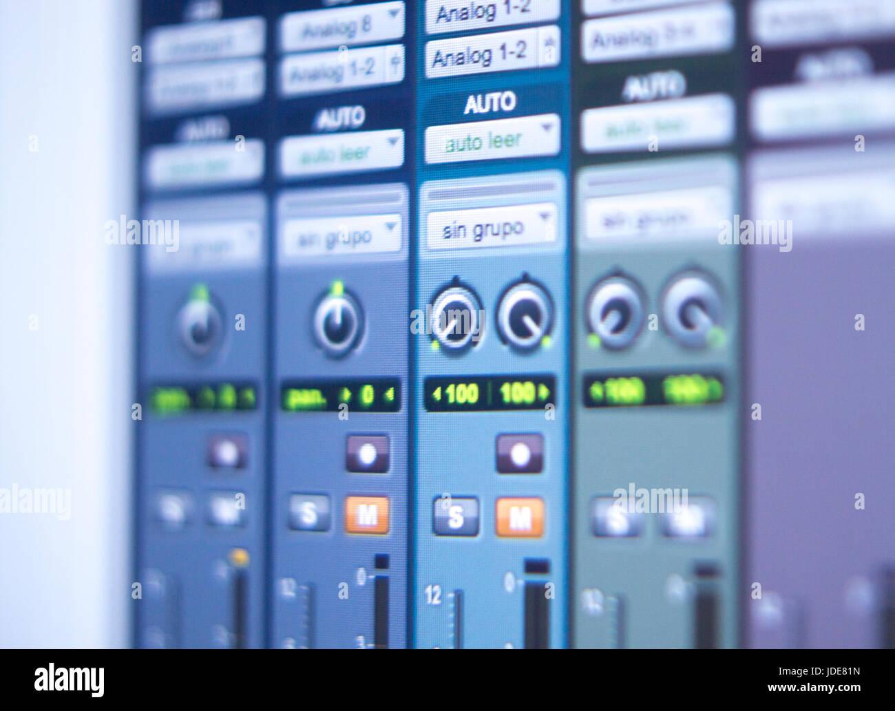recording audio music vocal and voiceover studio digital mixing