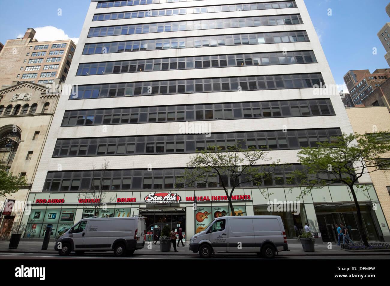 Sam Ash music stores store New York City USA - Stock Image