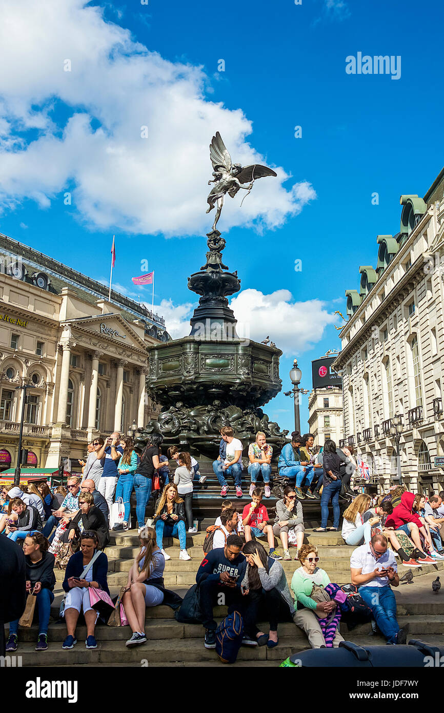Shaftesbury Memorial Fountain at Piccadilly Circus Stock Photo