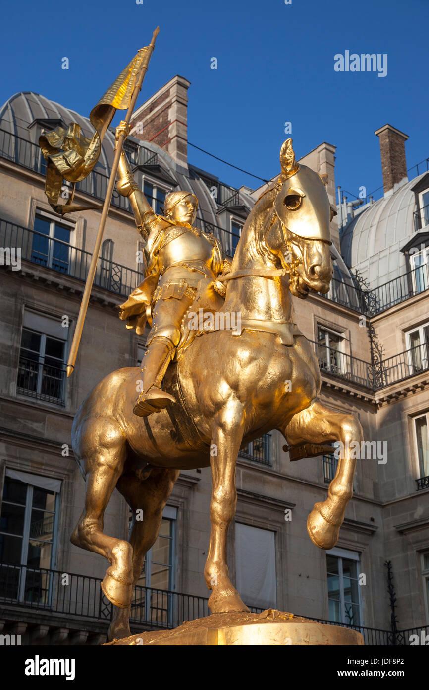 Golden statue of Joan of Arc (Jeanne d'Arc) at Place des Pyramides, Paris France - Stock Image