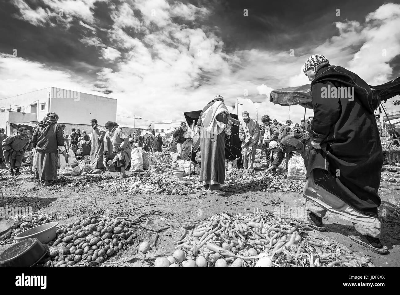 Traditional farmer market in Morocco - Stock Image