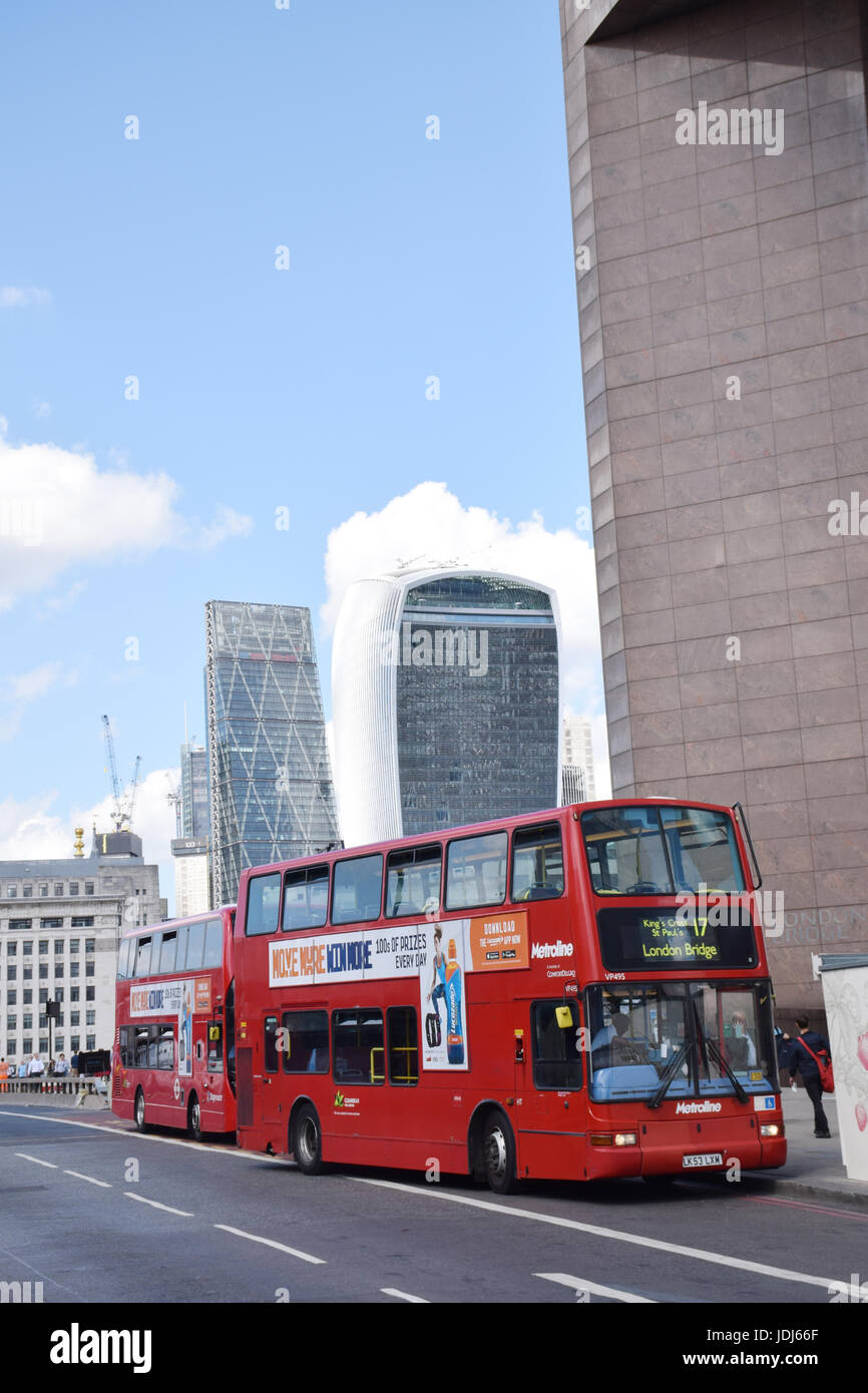 City of London - 20 Fenchurch Street (Walkie Talkie building) and The Leadenhall Building (The Cheesegrater), London - Stock Image