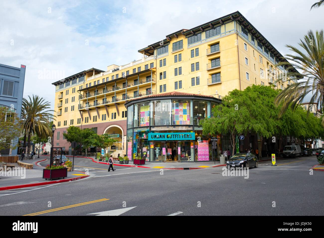 Santana Row Stores >> Santana Row Outdoor Mall Featuring Stores Including Urban Stock