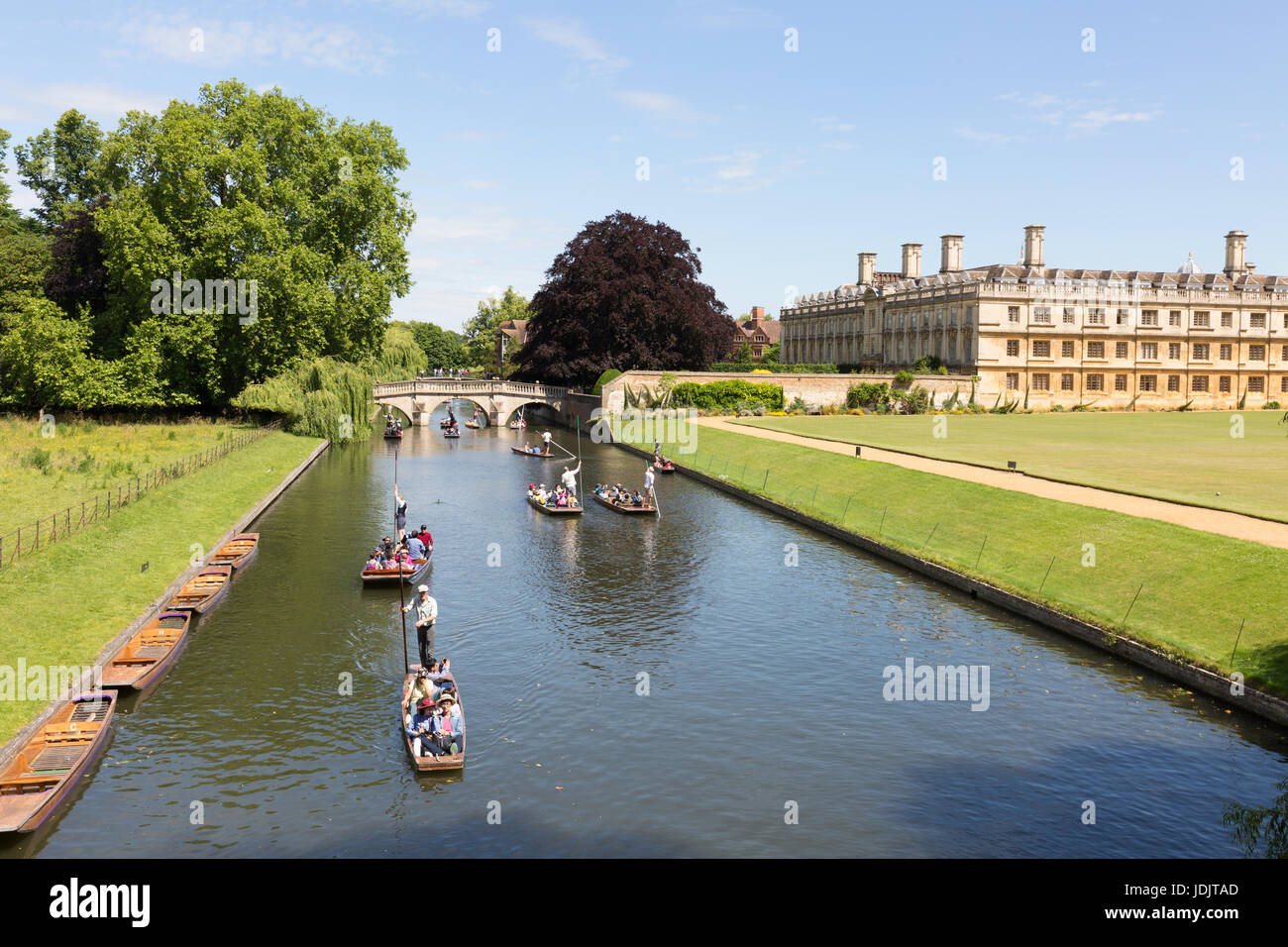 Punting Cambridge UK - punting in summer on the Backs, the River Cam, Cambridge England UK - Stock Image