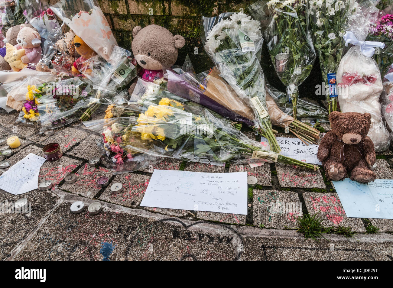 Stockport people mourn Manchester's victims of the bombing of Manchester Arena on May 2017 - Stock Image