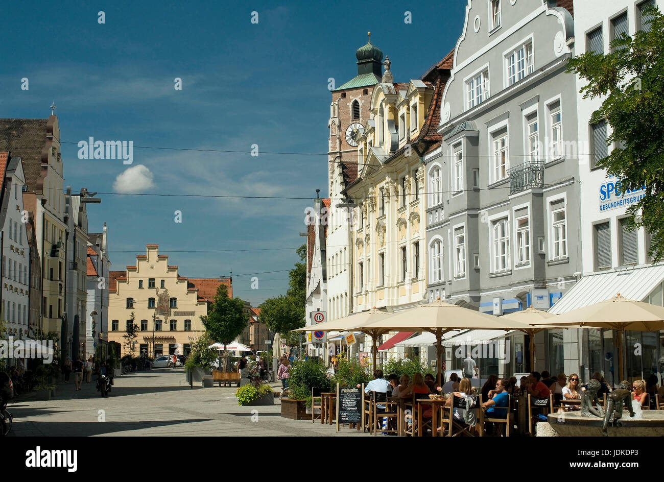 Europe, Germany, Bavaria, Ingolstadt, Theresienstrasse, look to the dear woman's cathedral, , Europa, Deutschland, - Stock Image