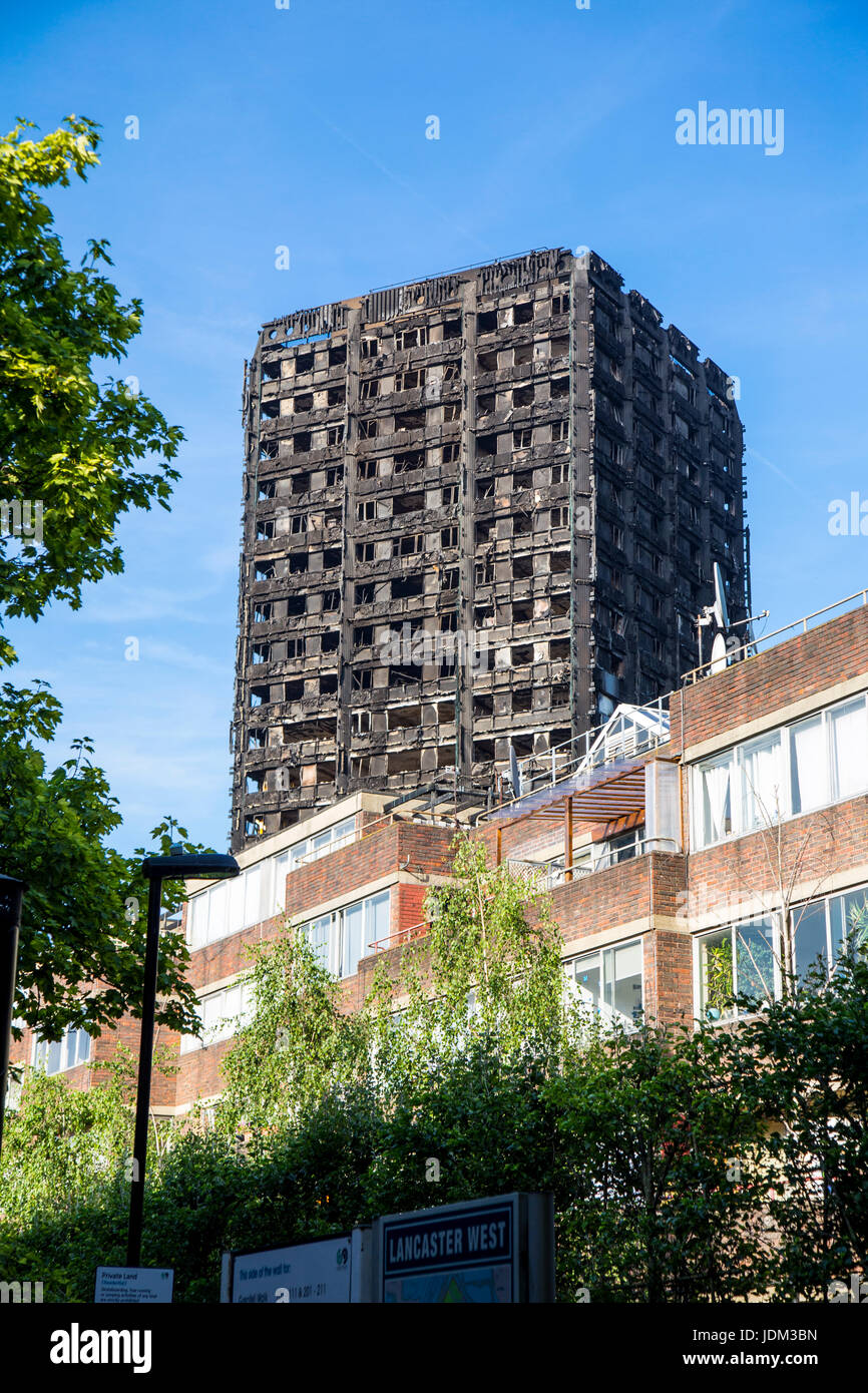 London, UK. 20th June 2017 - On 14 June 2017 Grenfell Tower, a 24-storey high tower block of public housing flats - Stock Image