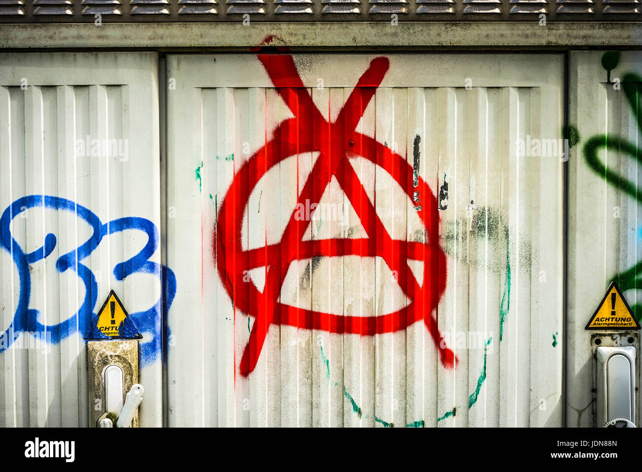 Anarchy symbol on a distributor box, Anarchie-Symbol auf einem Verteilerkasten - Stock Image