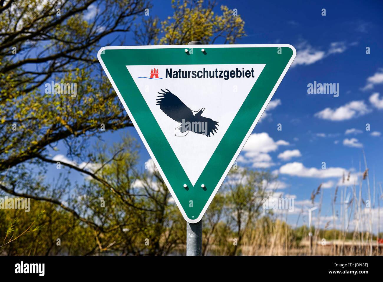 Schild Naturschutzgebiet an der Elbe in Spadenland, Hamburg, Deutschland, Europa Stock Photo