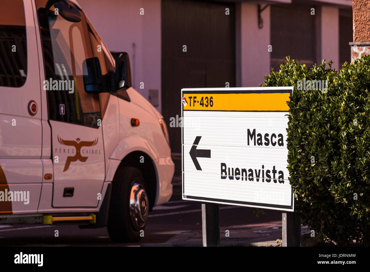 Traffic, minibuses, cars, coaches on the narrow mountain road from Santiago del Teide to Masca in Tenerife, Canary - Stock Image