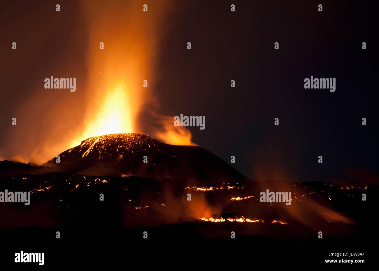 Fimmvorduhals erupting at night - Stock Image