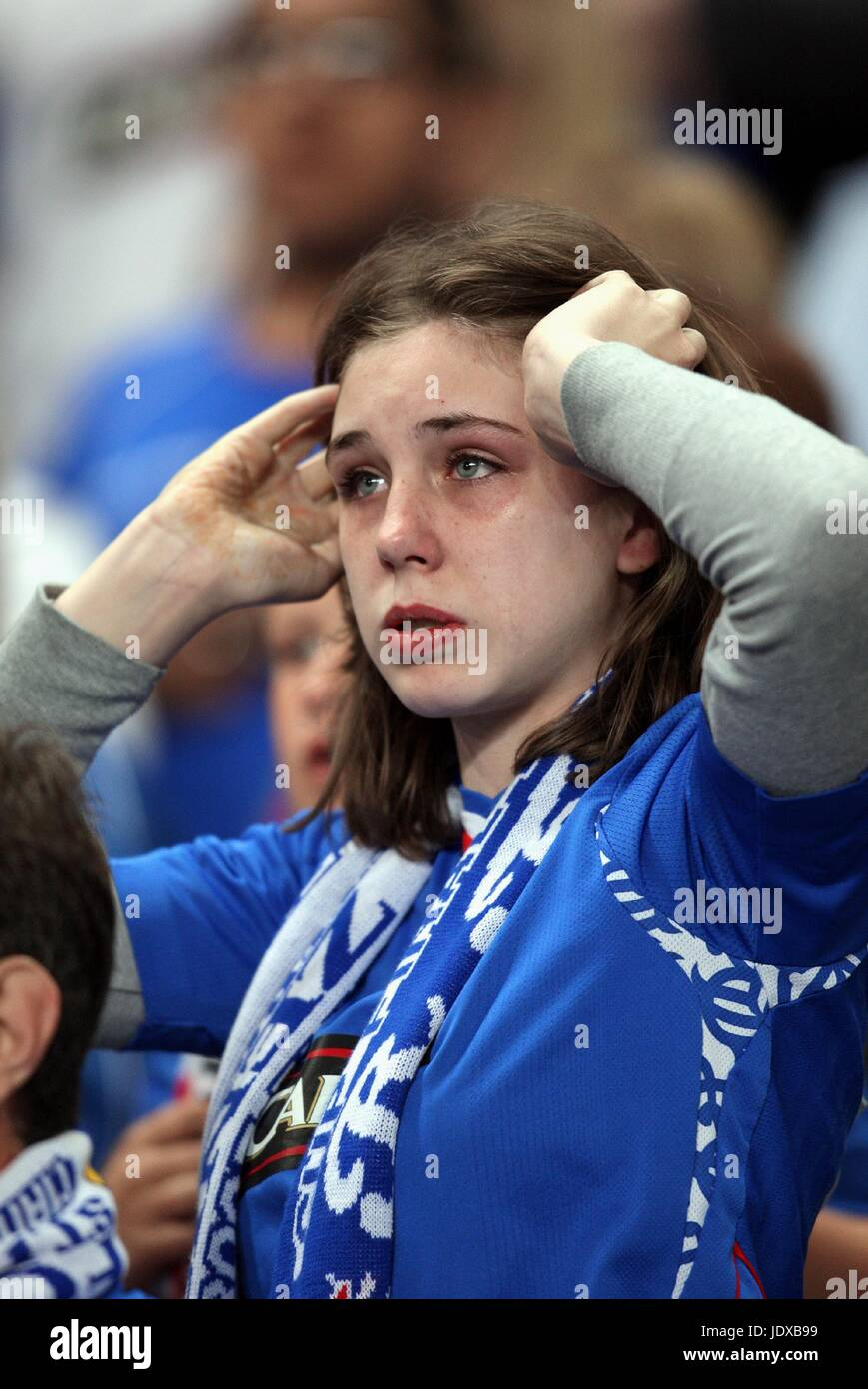 TEARFUL RANGERS FAN RANGERS V ZENIT ST.PETERSBURG CITY OF MANCHESTER STADIUM MANCHESTER ENGLAND 14 May 2008 - Stock Image