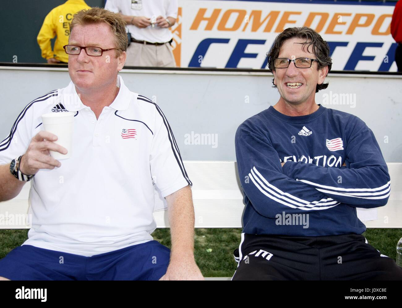 STEVE NICOL PAUL MARINER NEW ENGLAND HEAD COACH & COACH HOME DEPOT CENTRE CARSON LOS ANGELES USA 04 July 2008 - Stock Image