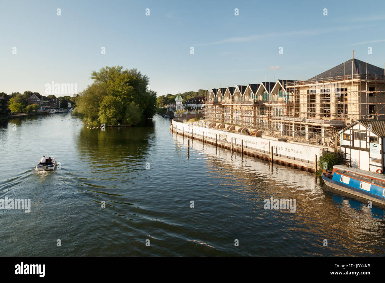 New buildings being built on the banks of the River Thames, Taplow, Buckinghamshire England UK - Stock Image