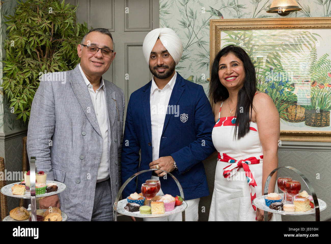 Thetford, Norfolk UK. 21st June, 2017. Star of The Black Prince movie Satinder Sartaaj, with owner of the Thomas - Stock Image