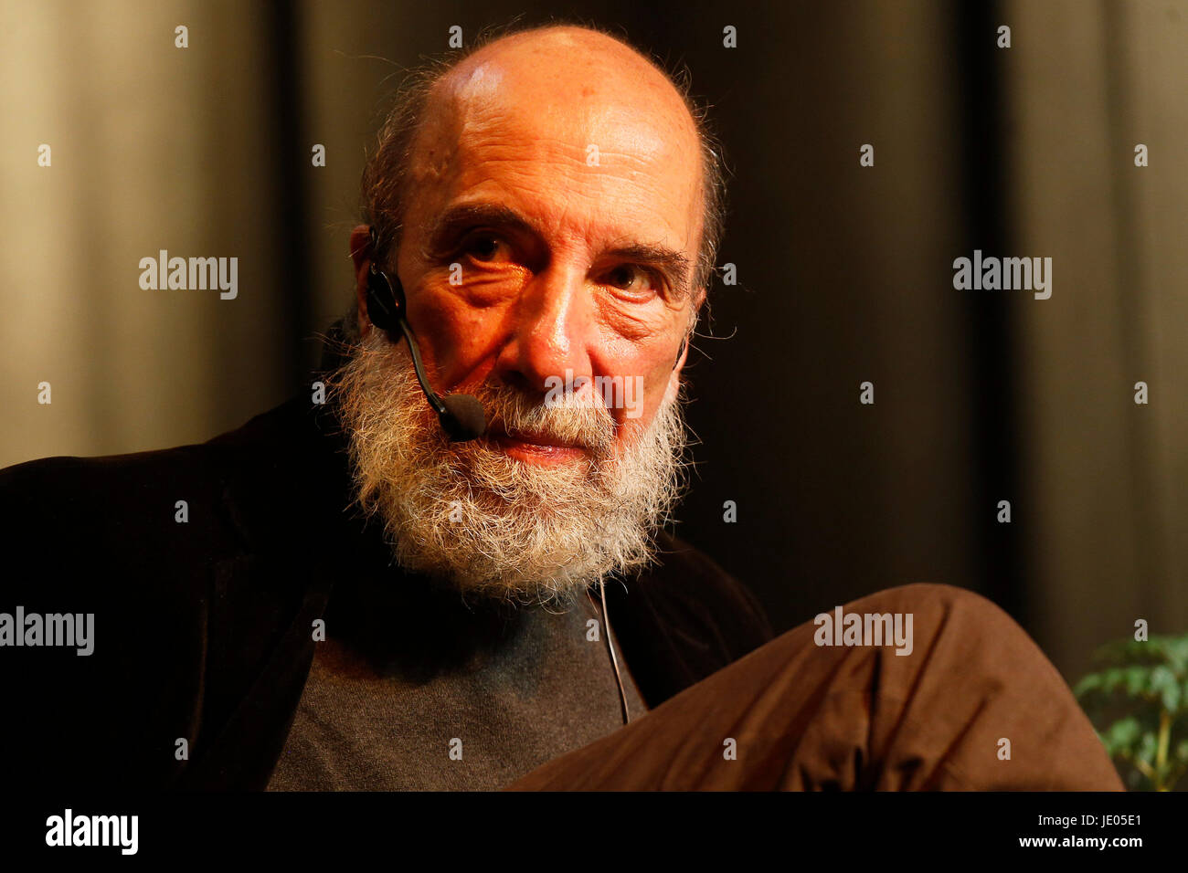 Chilean national prize Raul Zurita participates in a tribute to the Spanish publisher Visor for its contribution - Stock Image