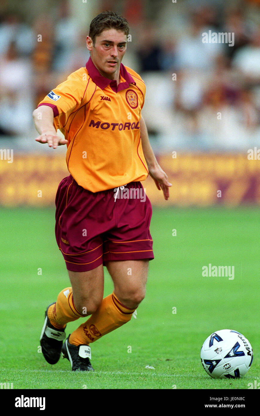 SCOTT LEITCH MOTHERWELL FC MOTHERWELL 27 August 2000 - Stock Image