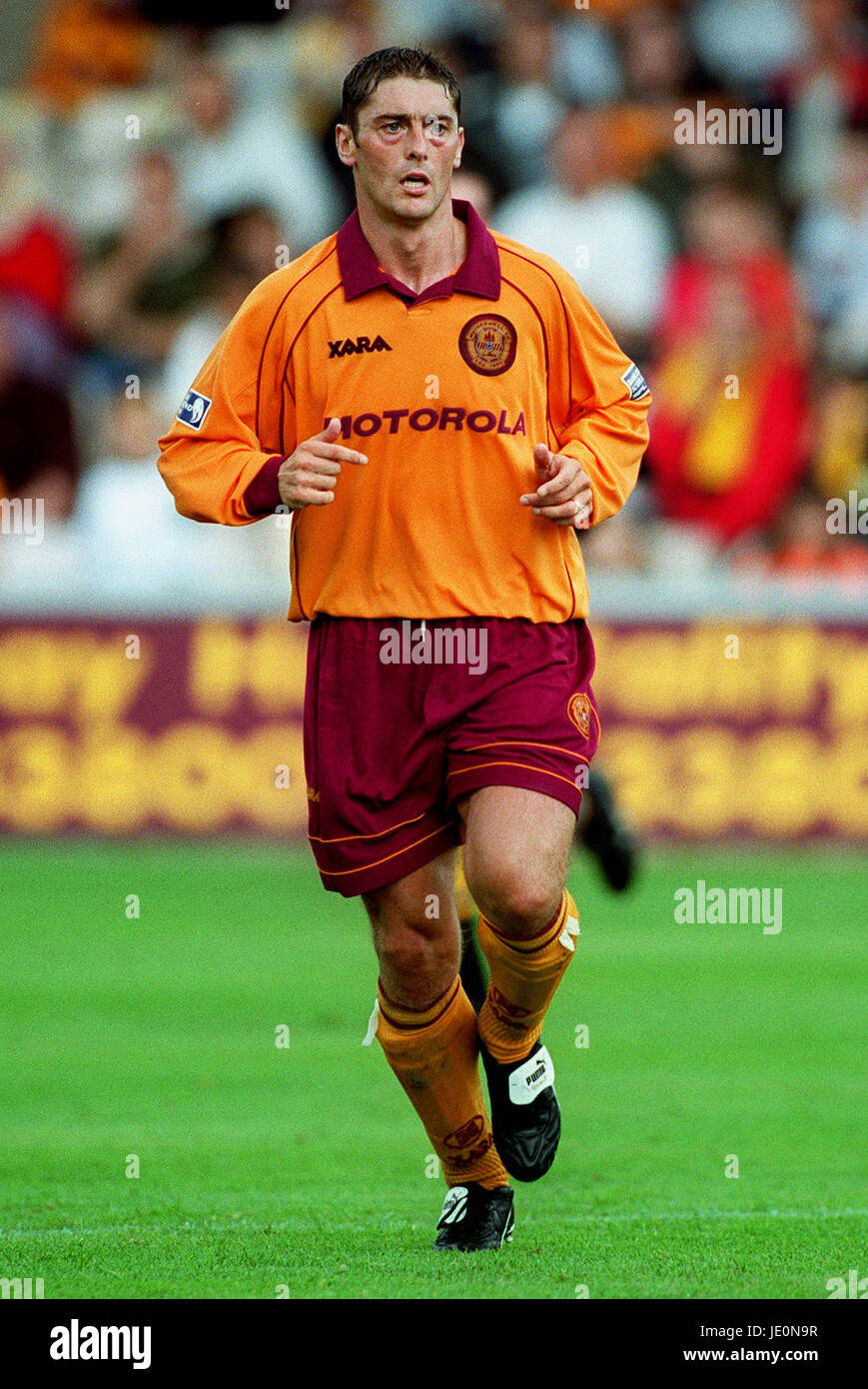 SCOTT LEITCH MOTHERWELL FC 27 August 2000 - Stock Image