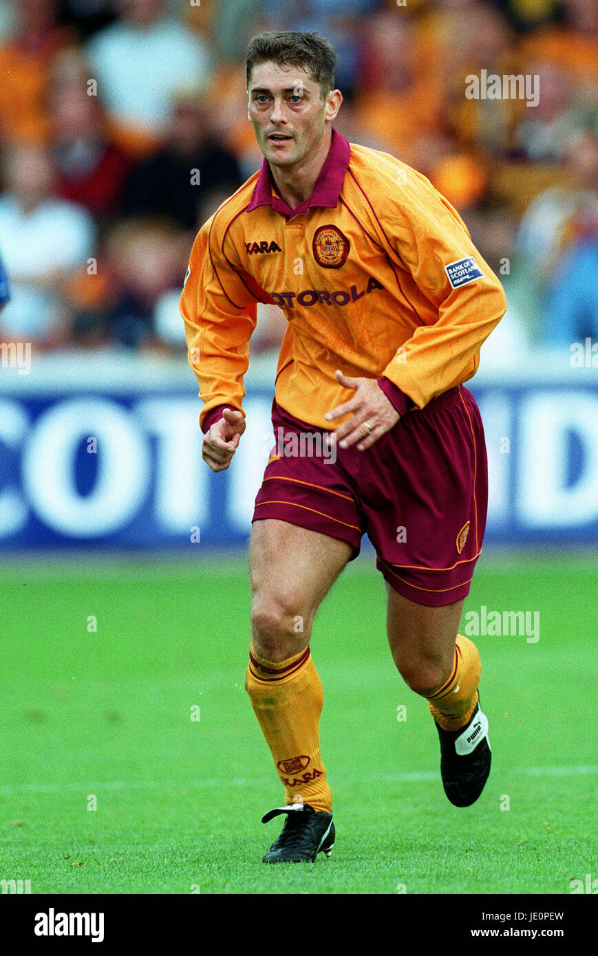 SCOTT LEITCH MOTHERWELL FC MOTHERWELL FIR PARK 23 September 2000 - Stock Image