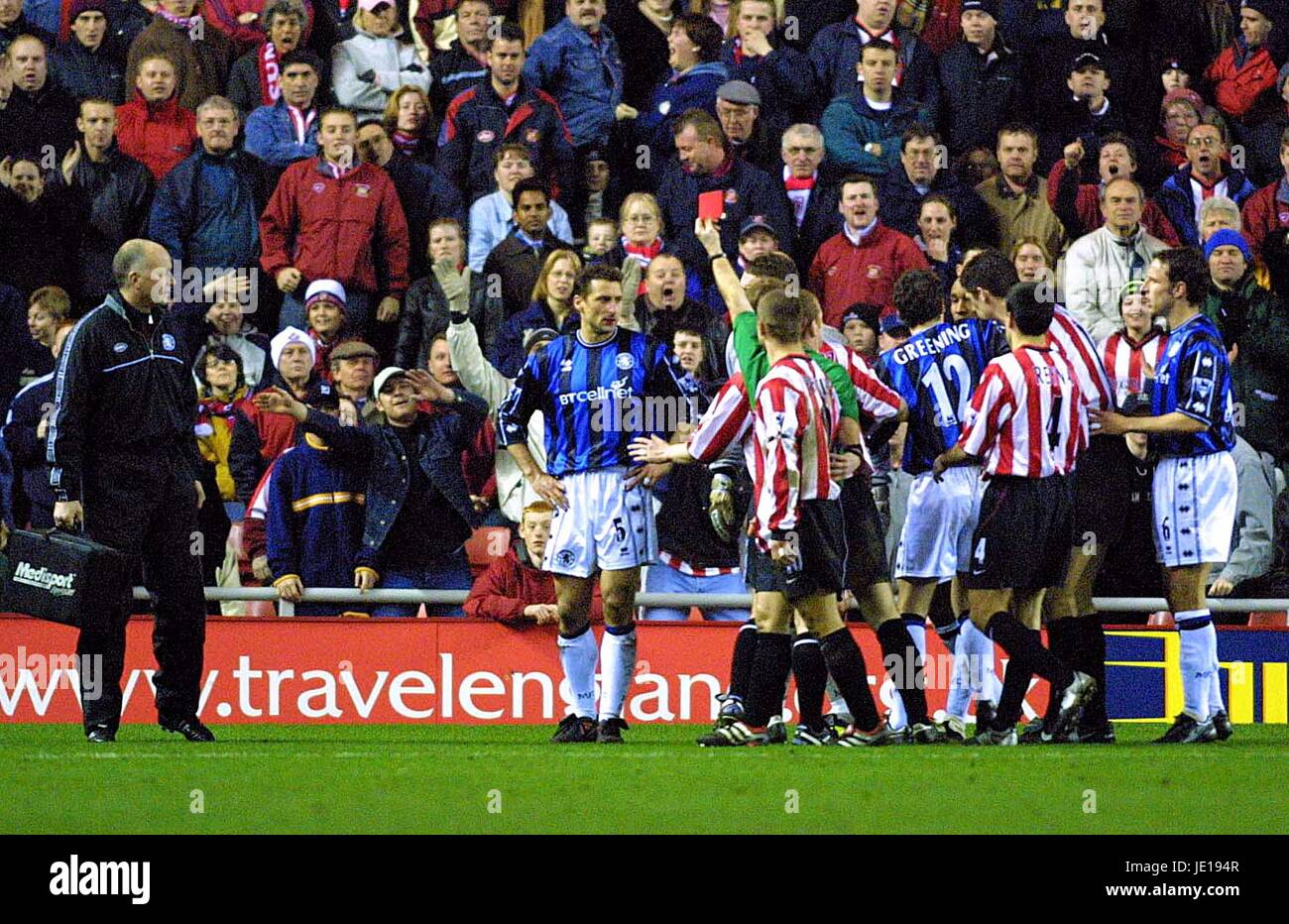 GIANLUCA FESTA IS SENT OFF SUNDERLAND V MIDDLESBROUGH STADIUM OF LIGHT SUNDERLAND 29 January 2002 - Stock Image