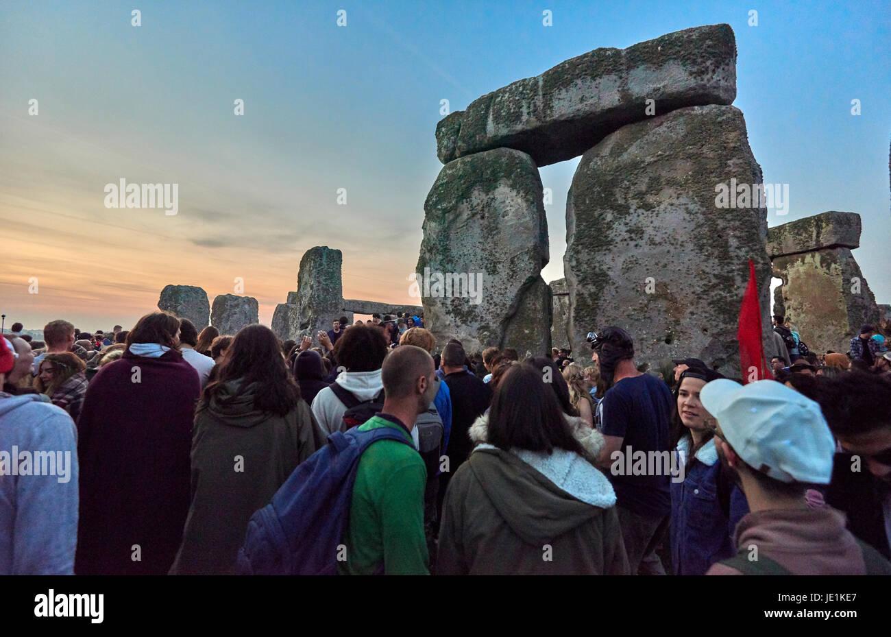 Summer Solstice 2020.Stonehenge Summer Solstice Tour Sunrise 21st June 2020 Stock