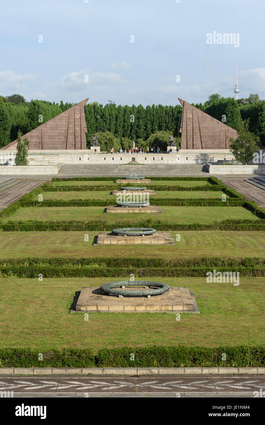 Berlin. Germany. Soviet War Memorial in Treptower Park, commemorates Soviet soldiers who fell in the Battle of Berlin, - Stock Image