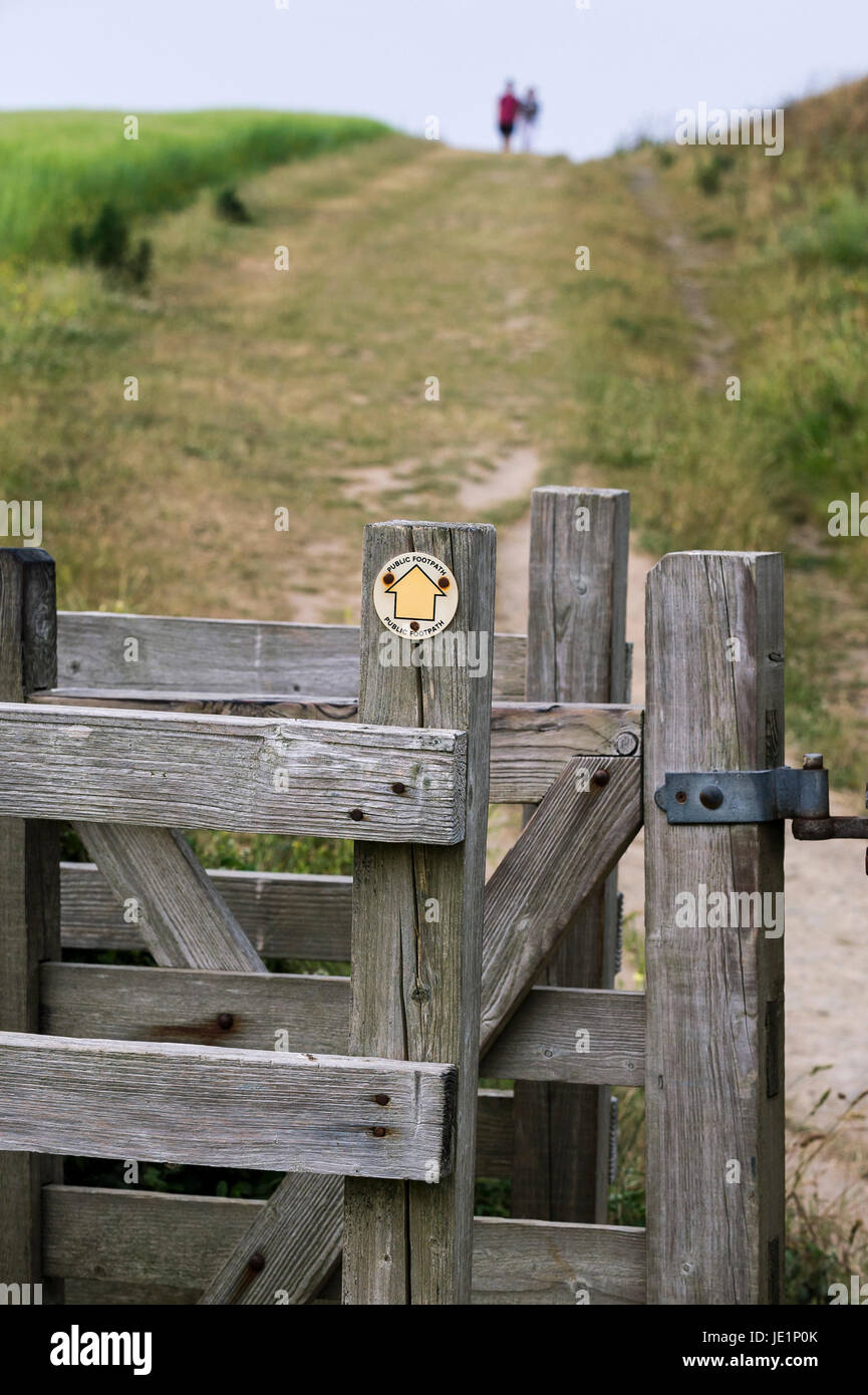 A wooden gate on public footpath on West Pentire in Newquay, Cornwall. - Stock Image